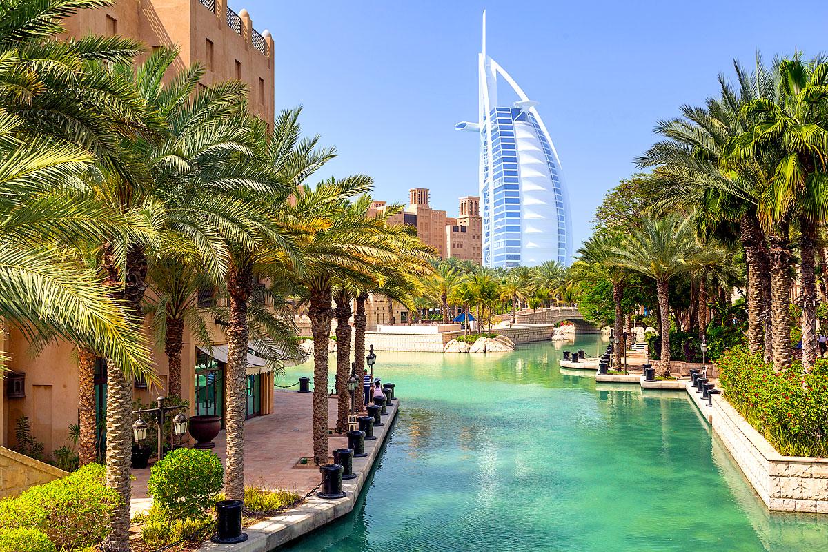 Blick auf den Burj Al Arab aus dem Madinat Jumeirah