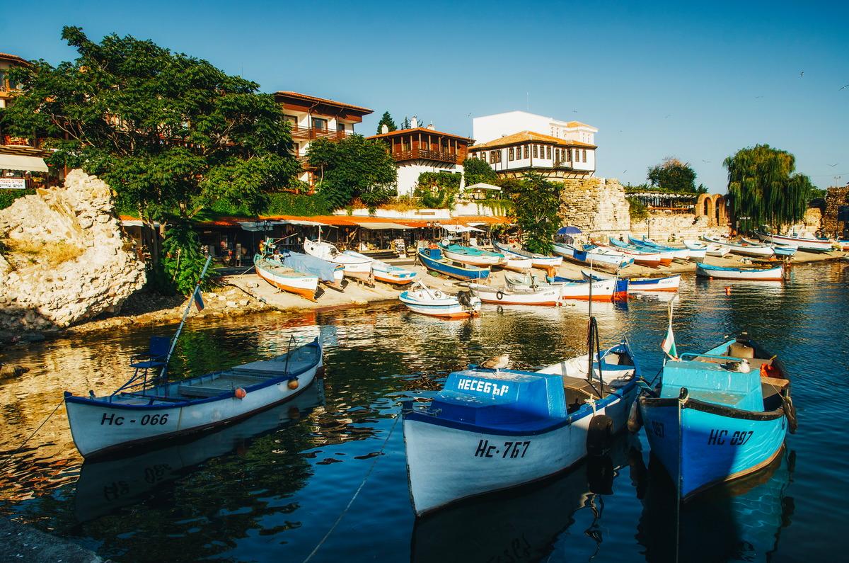 Hafen in der historischen Stadt Nessebar in Bulgarien