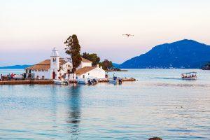 Kloster Vlacherna und Insel Pontikonissi nahe Kanoni auf Korfu