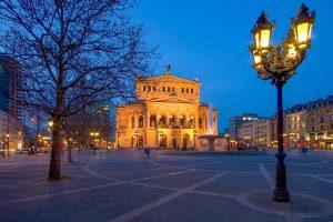 Alte Oper auf Opernplatz in Frankfurt am Main