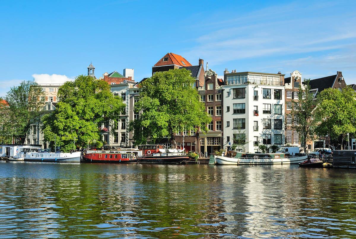 Amsterdam: Ufer der Amstel
