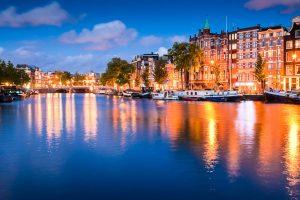 Amsterdam: Lichter der Stadt in der Nacht