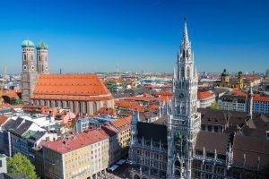 Blick über München, Rathaus und Frauenkirche