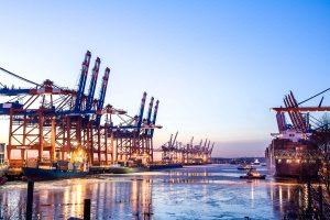 Foto der Hafenanlagen in Hamburg