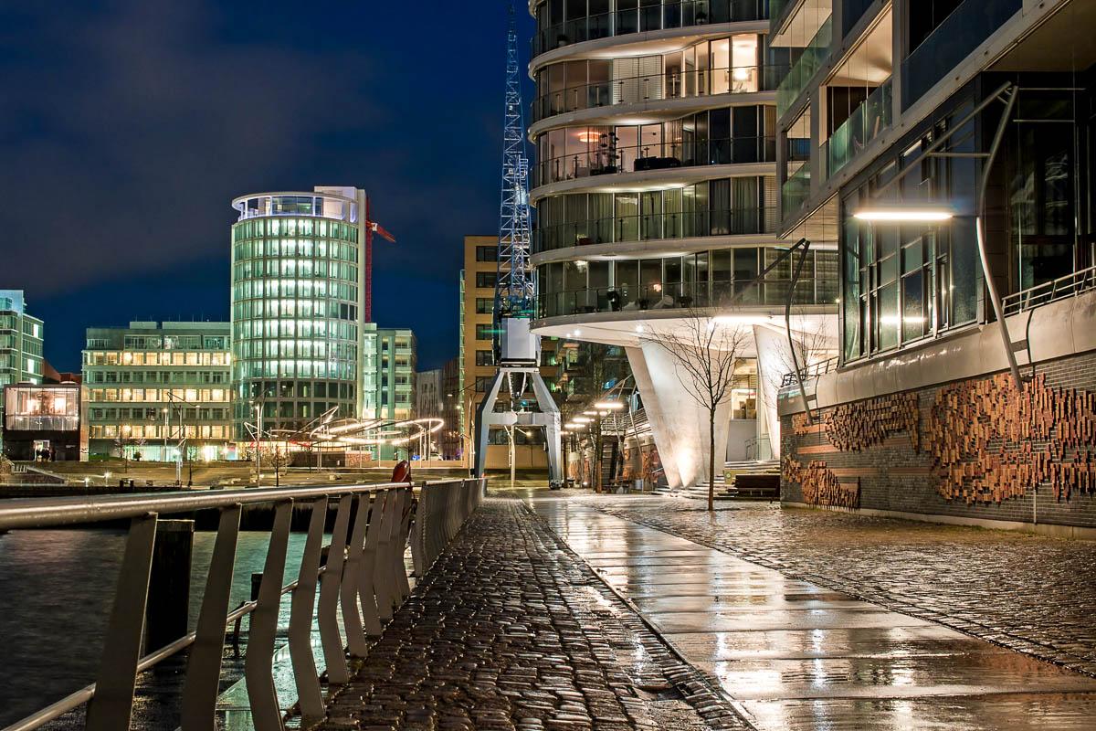 Nachtaufnahme der Hamburg Hafencity