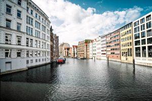 Hamburg - Häuser am Kanal