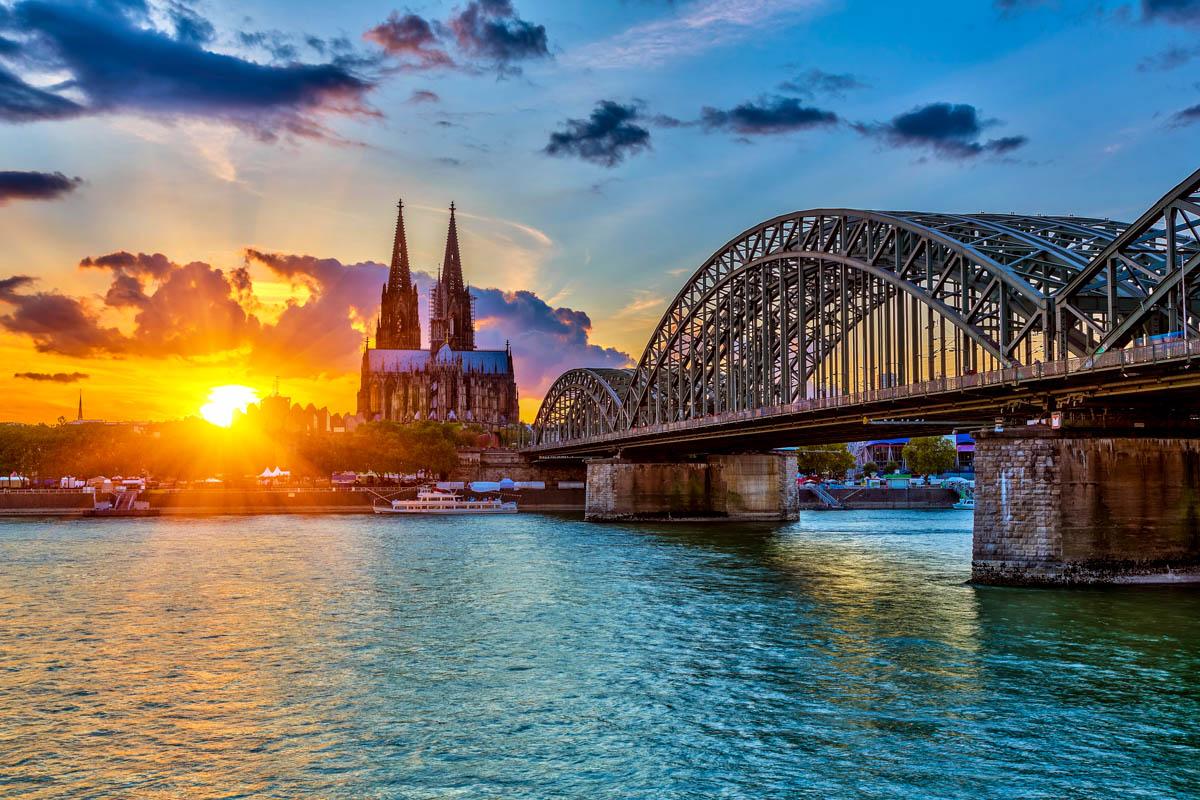 HDR - Sonnenuntergang in Köln