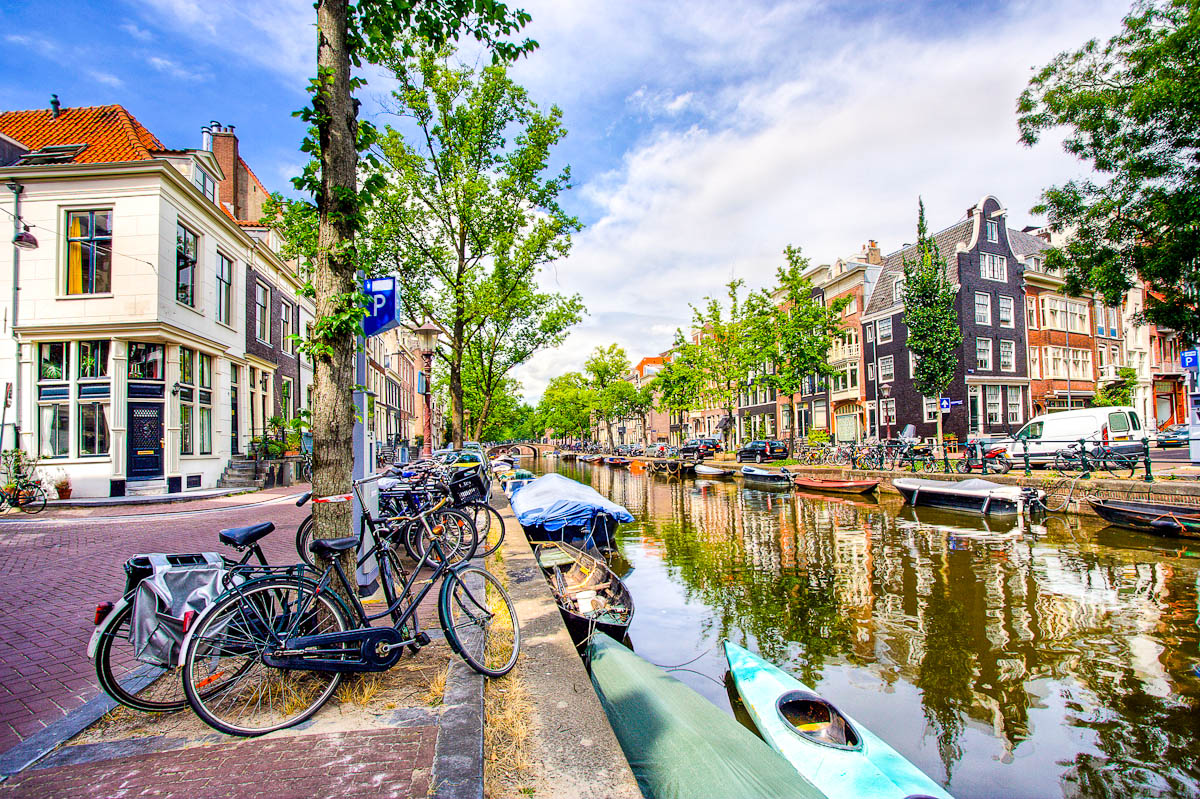 Kanal in Amsterdam (HDR)