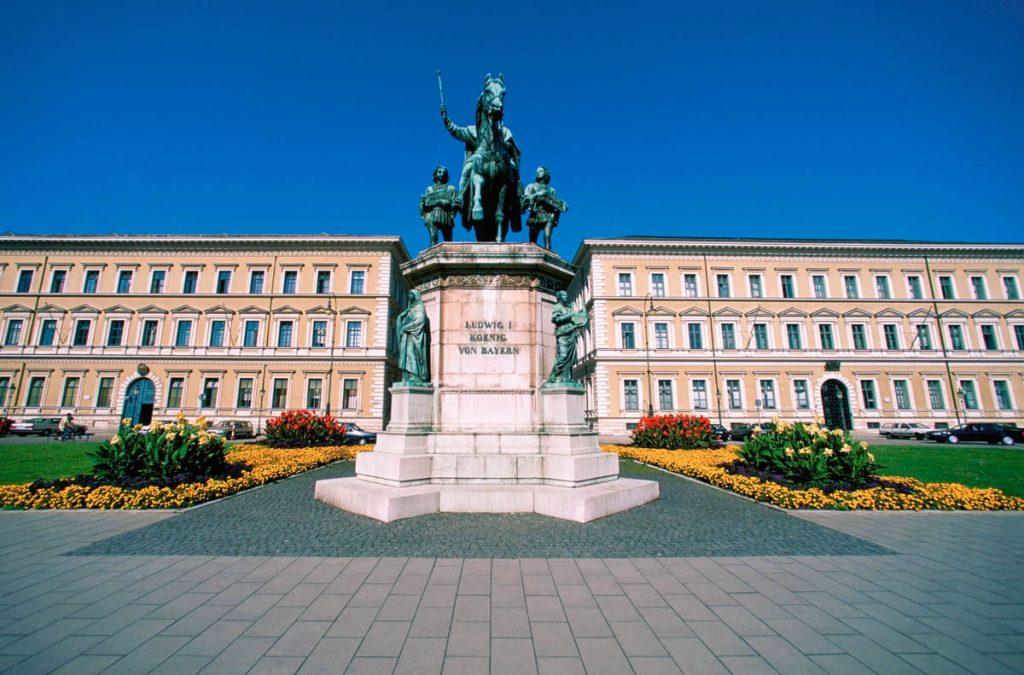 König Ludwig Statue in München
