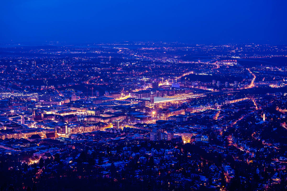 Nächtlicher Blick über Stuttgart
