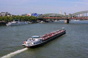 Blick auf den Rhein in Köln