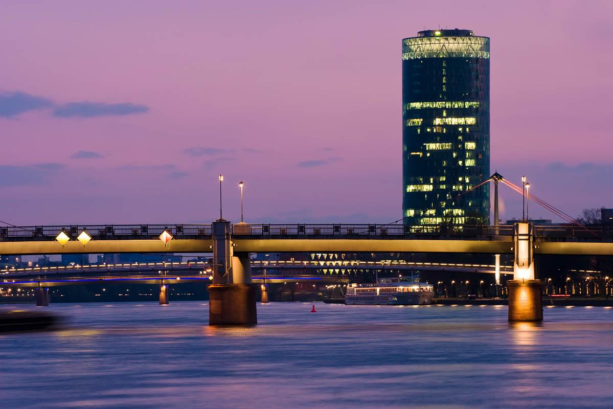 Westhafen Tower in Frankfurt am Main