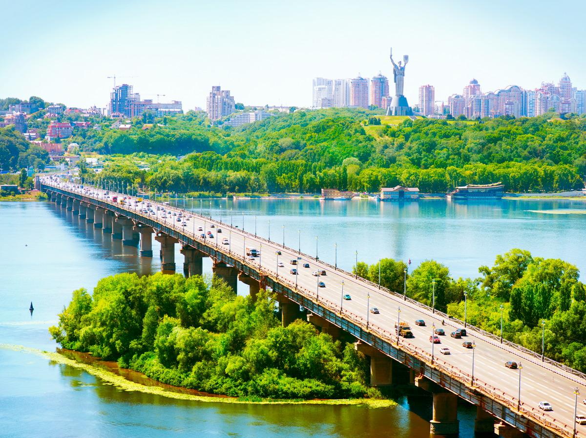 Blick über den Dnjepr auf Kiew