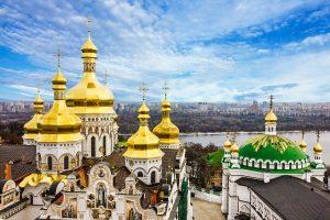 Blick auf das Kiewer Höhlenkloster und den Dnjepr