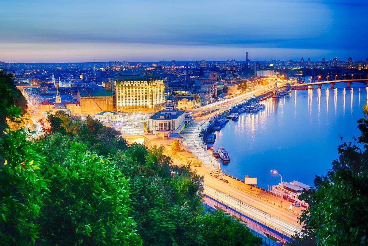 Blick auf den Dnjepr und Kiew