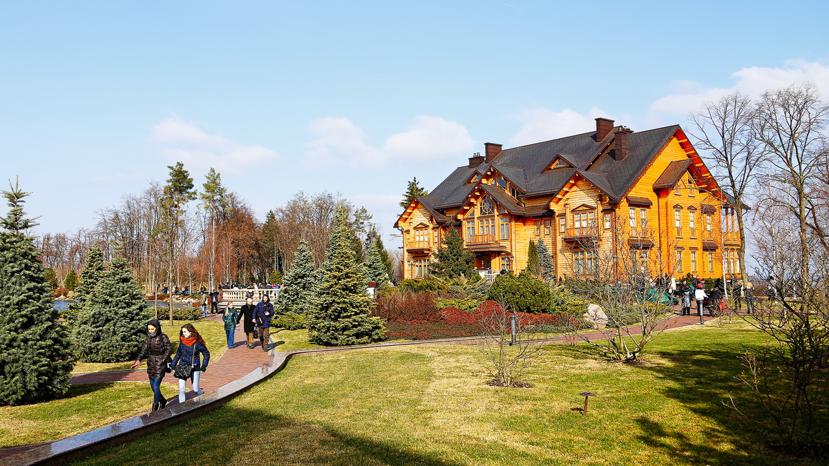 Meschyhirja Residenz - Privatsitz des ehemaligen ukrainischen Präsidenten Wiktor Janukowytsch.