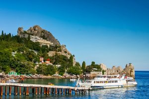 Hotel auf einem Felsen in Hursuf auf der Krim