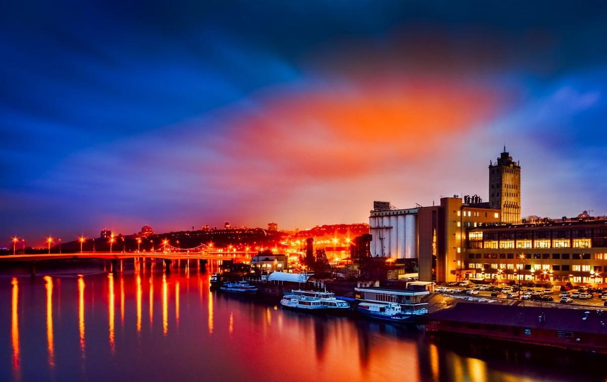 Blick über den Dnepr auf Kiew