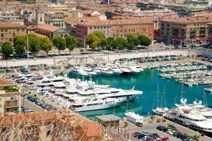 Nizza: Blick auf den Hafen