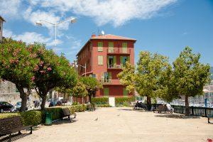 Nizza: Kleiner Park in der Nähe des Hafens