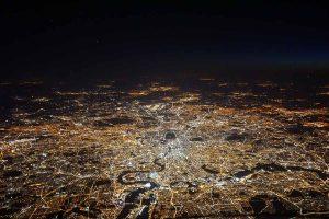 Luftaufnahme von London bei Nacht