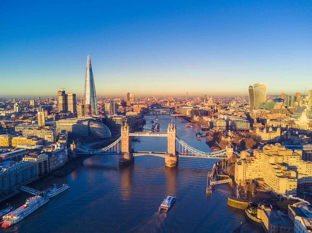 Tower Bridge und Themse in London