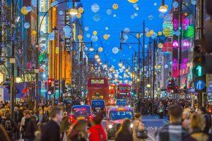 Weihnachten: Oxford Street in London