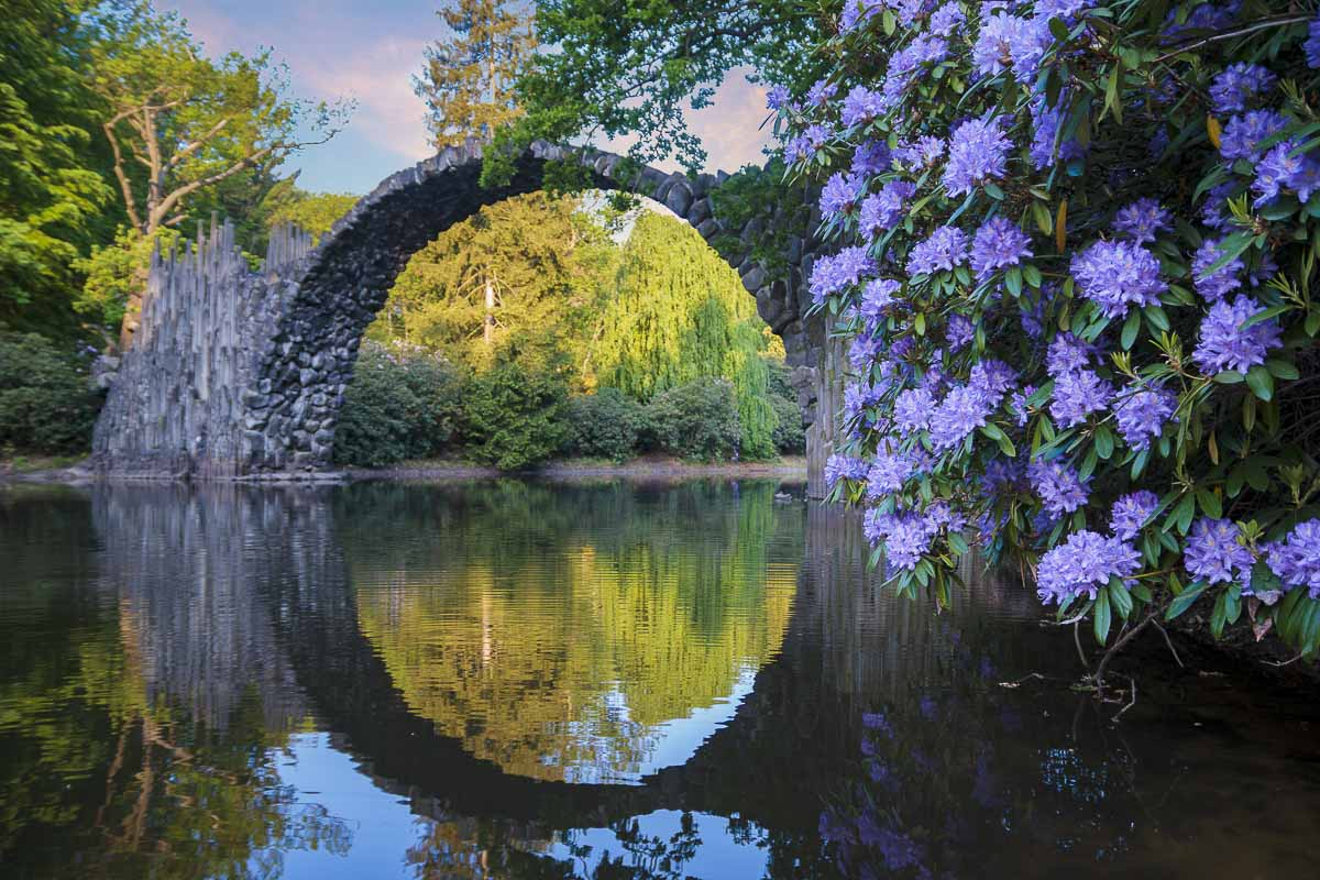 Rakotzbrücke im Rhododendronpark Kromlau