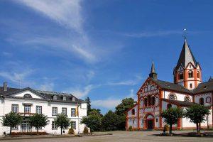 Rathaus und Pfarrkirche in Sinzig