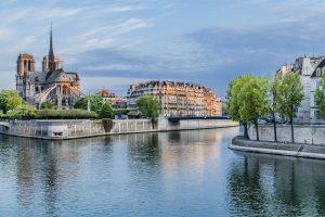 Blick über die Seine auf die Notre Dame
